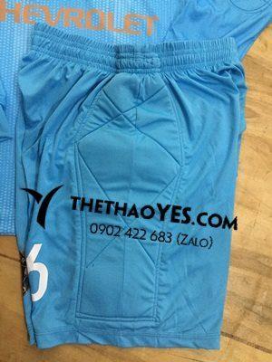 đồng phục thể thao có bảo hộ ở quần