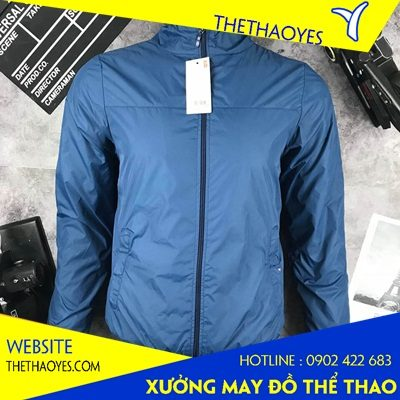 Nên mua hay may áo khoác thể thao nam giá rẻ