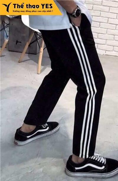 May quần thể thao adidas 3 sọc đen