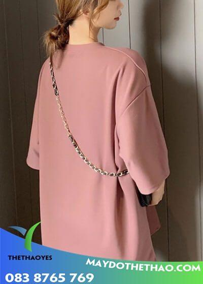 áo thun đen nữ form rộng