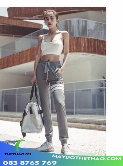 quần jogger nữ xẻ ống