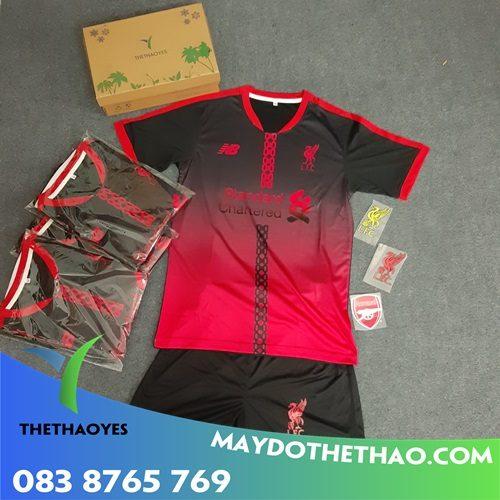 may quần áo thể thao bóng đá